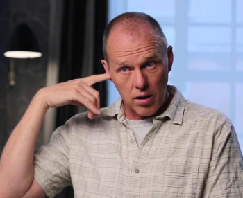 Director/screenwriter Brian Helgeland chose the safer, less interesting aspects to motivate the movie.