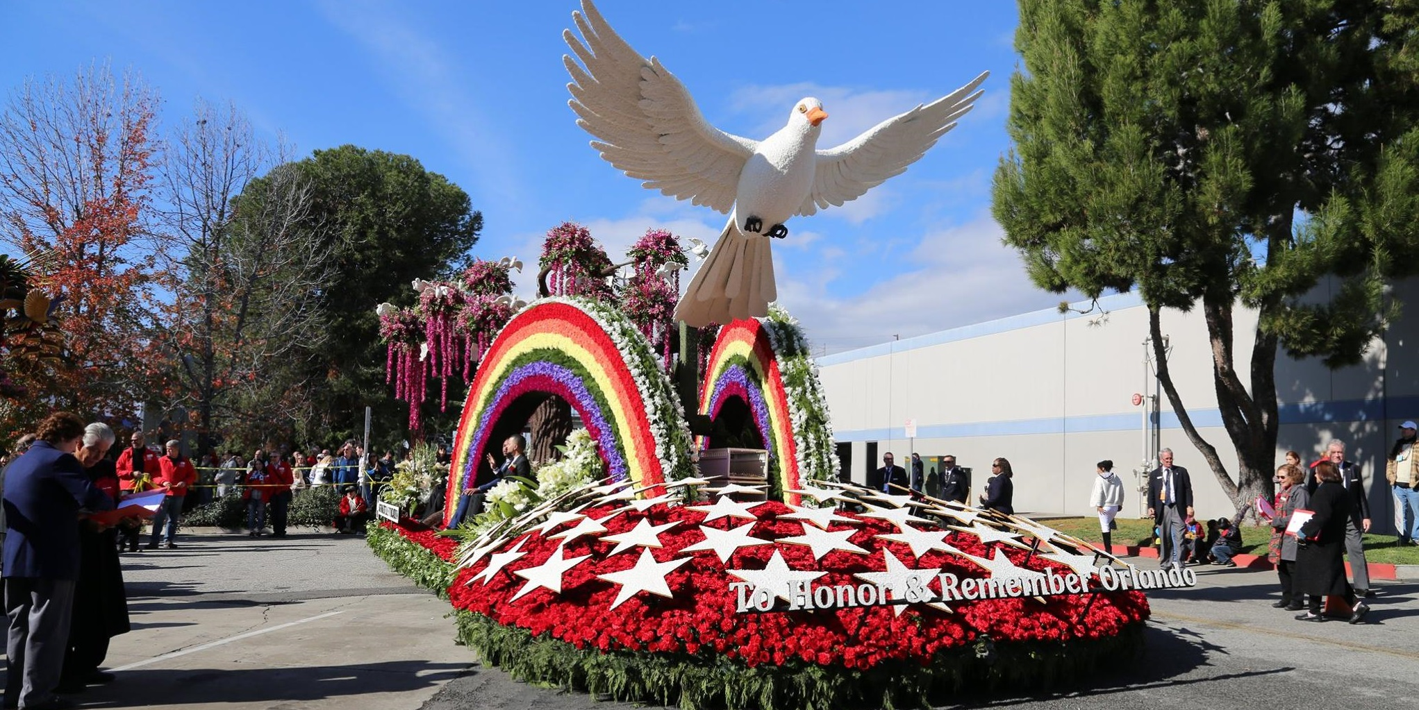 rose parade float honored pulse shooting victims. Black Bedroom Furniture Sets. Home Design Ideas