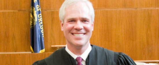 Oregon high court suspends Judge who refused to marry gays