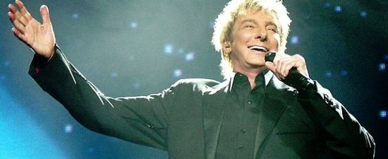 Barry Manilow donates piano to Central Florida high school