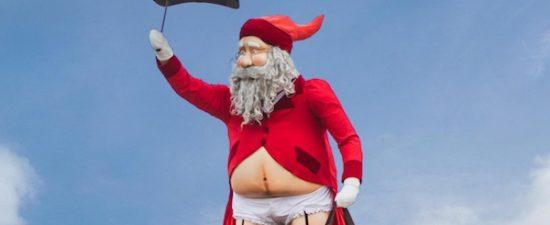 New Zealand shopping center displays 'gender-busting' Santa